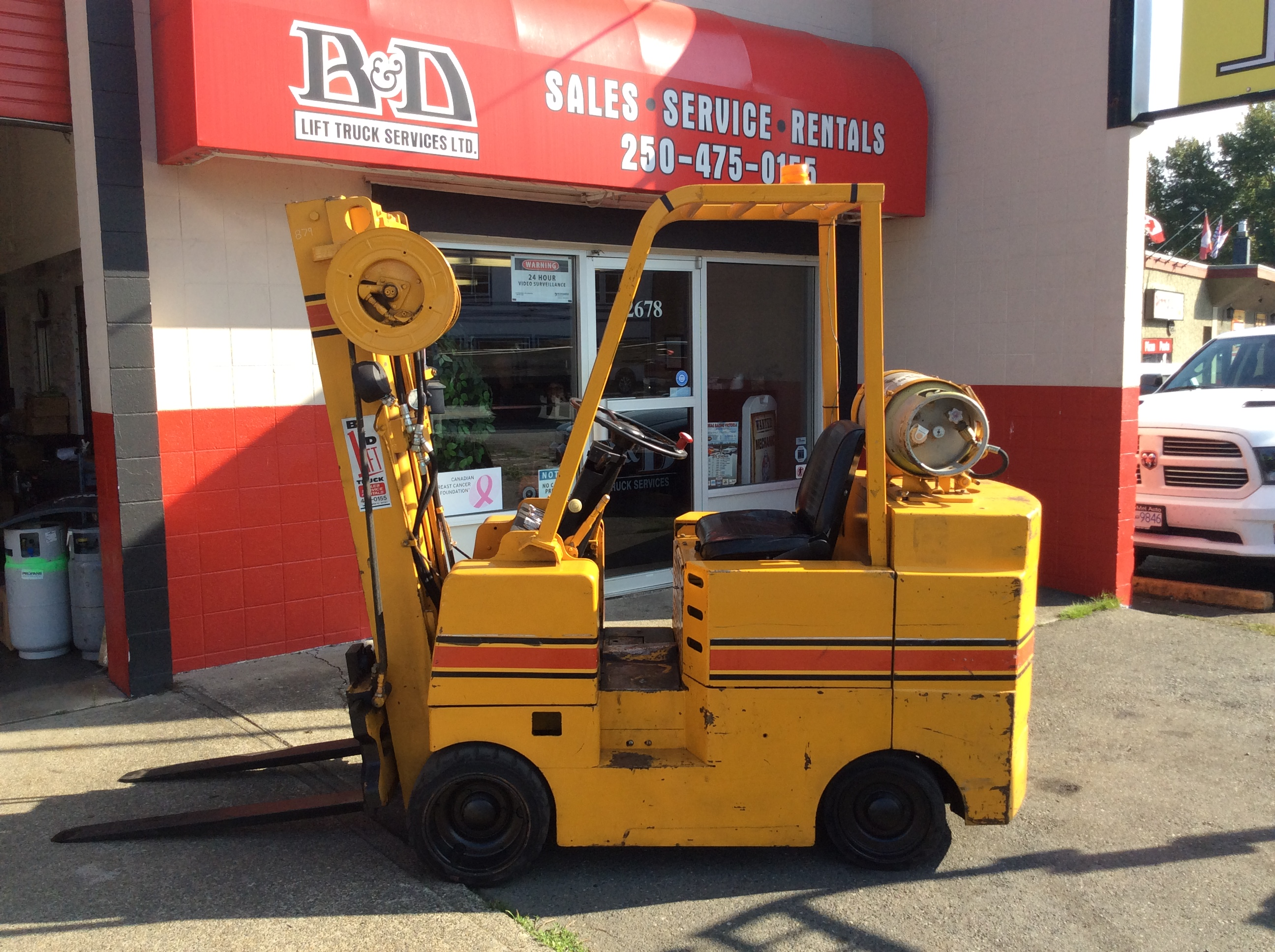 click photo for forklift sales